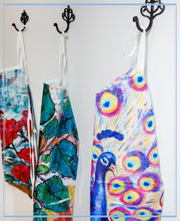 womens aprons https://www.etsy.com/shop/mimistudio?search_query=apron