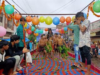 उत्सव समिति द्वारा भव्य जल झुलनी एकादशी चल समारोह निकाला गया