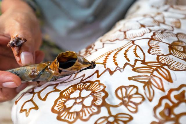 Selamat Hari Batik Nasional, Ketahui Dulu Sejarah Batik dan Fakta Menarik Lainnya
