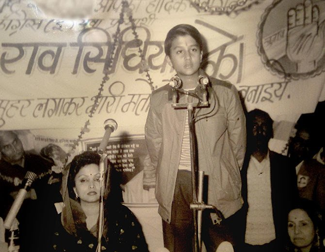 Young Jyotiraditya Scindia Campaigning For Congress Party in Elections