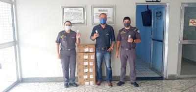 O 14° BPM/I RECEBEU DOAÇÃO DE 500 FRASCOS DE ÁLCOOL DO GRUPO BOTICÁRIO PARA SER DISTRIBUÍDOS AOS POLICIAIS MILITARES