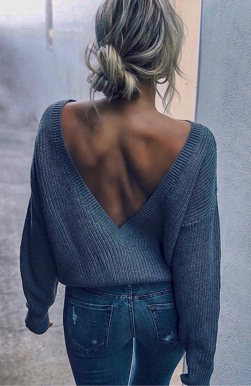 fall outfit inspiration / grey open back sweater and skinnies