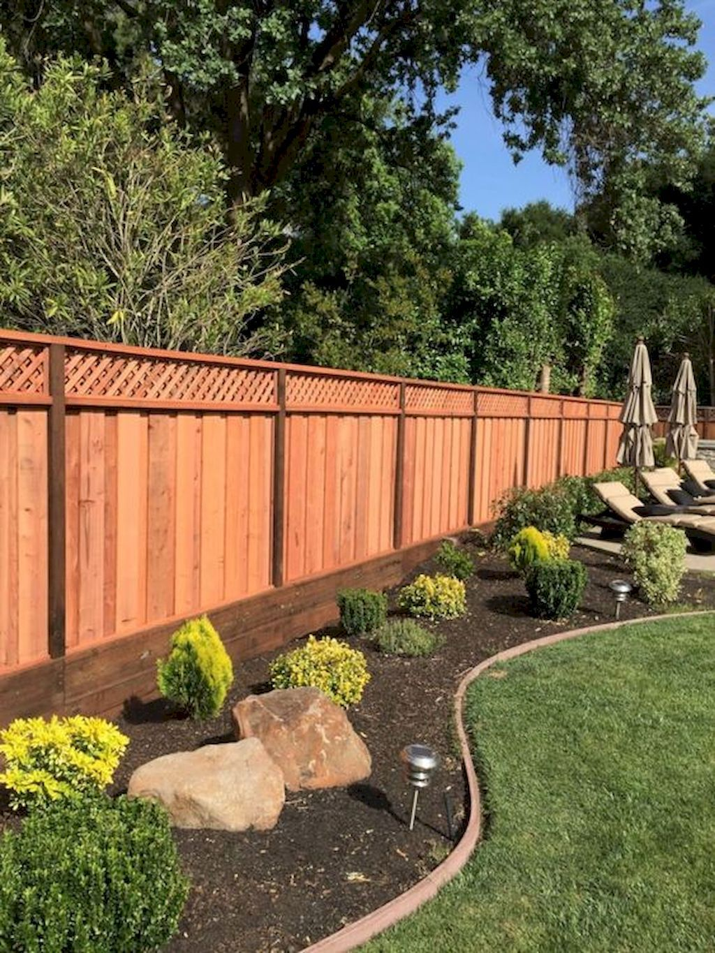 Fresh Backyard Design Ideas with Fences Can be Inspire