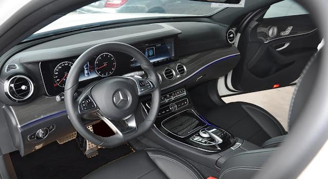 Nội thất Mercedes E300 AMG 2017 được thiết kế thể thao nhưng không kém phần sang trọng và đẳng cấp