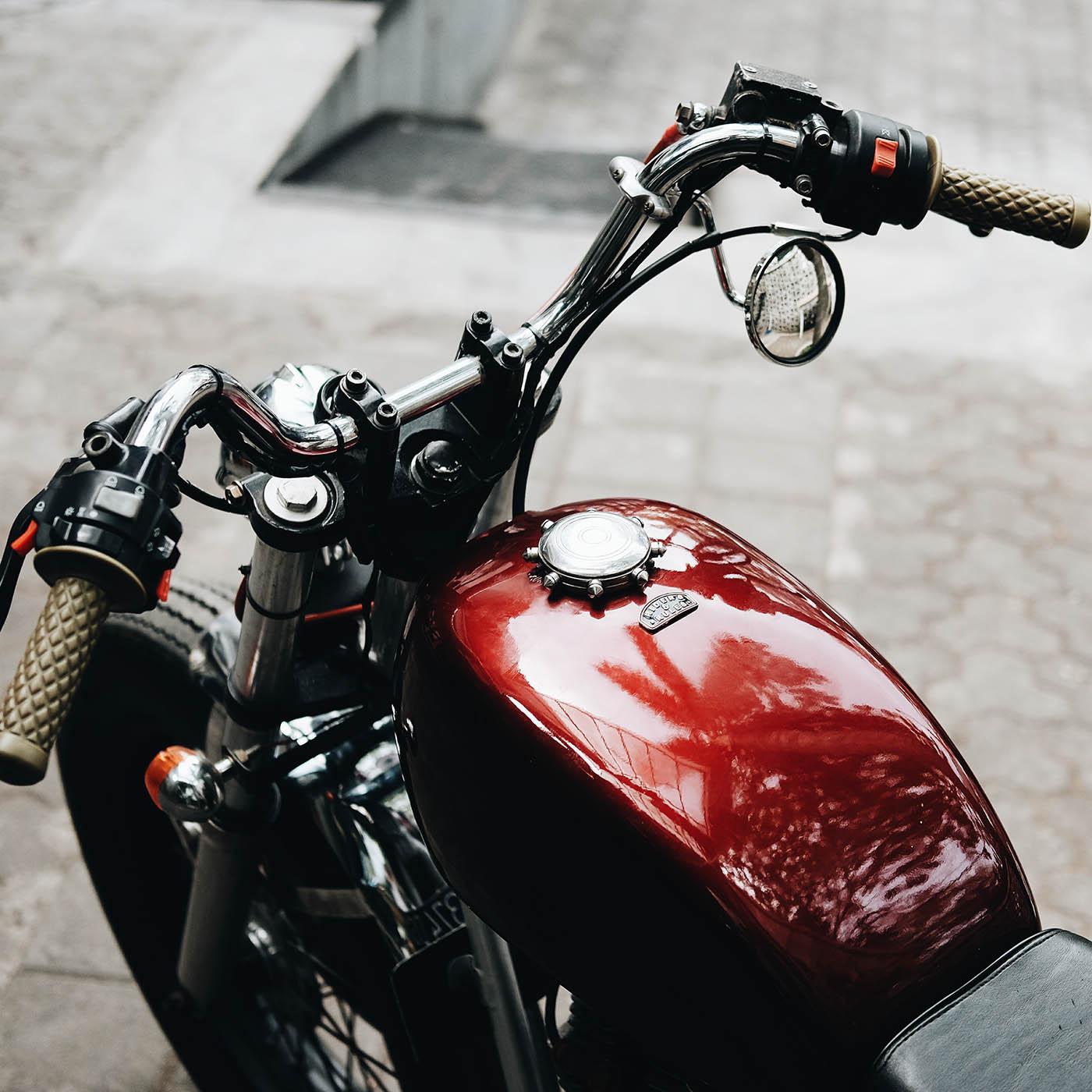 Harta, Takhta, Hayley - Yamaha Scorpio Bratstyle