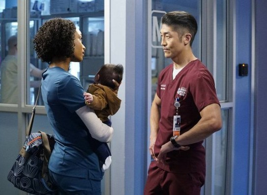 "NUP 186732 0015 595 Spoiler%2BTV%2BTransparent - Chicago Med (S04E21) ""Forever Hold Your Peace"" Episode Preview"