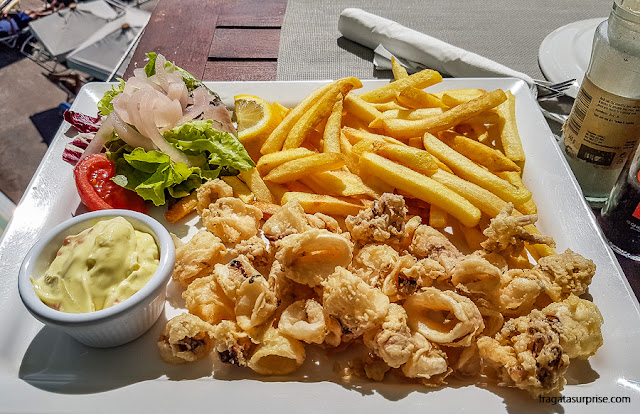 Calamares fritos em The Terrace, Malta