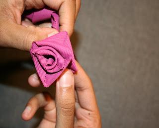 como hacer rosas con tela
