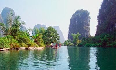 The classical Tongmen hill before arriving at Gongnong bridge