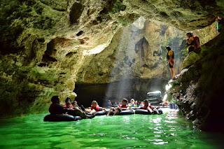 Menikmati Indahnya Cave Tubing di Goa Pindul