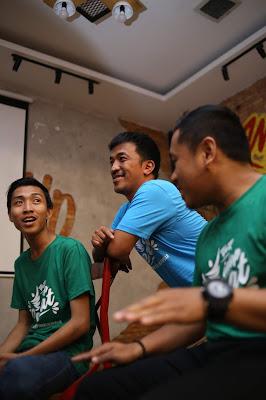 Promkes Kalbar Melaunching Video Klip 'Yok Idop Sehat' Kamil Onte dan Tazki Akapella