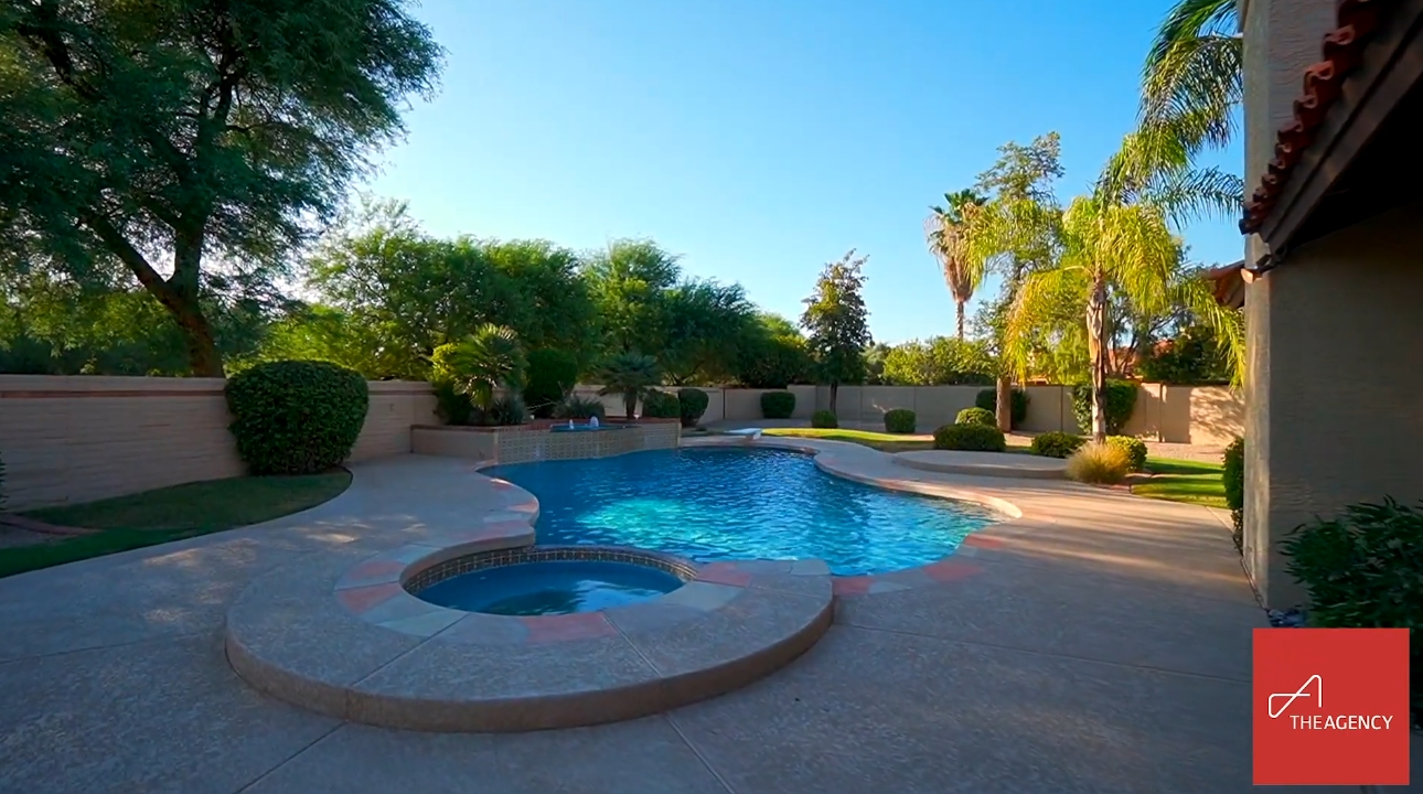 16 Photos vs. 9825 N 96th Place | Scottsdale - Luxury Home & Interior Design Video Tour
