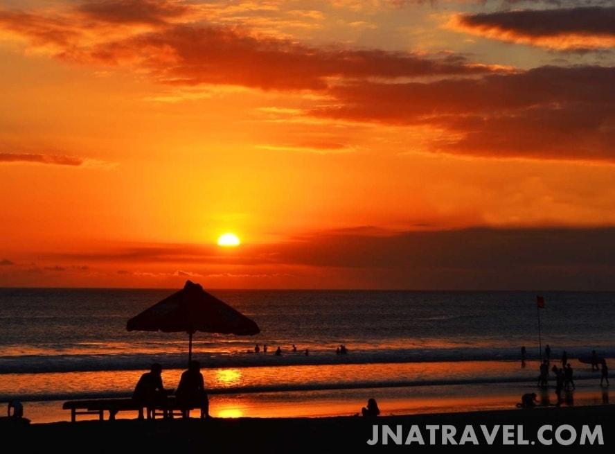 sunrise pantai kuta bali yang indah