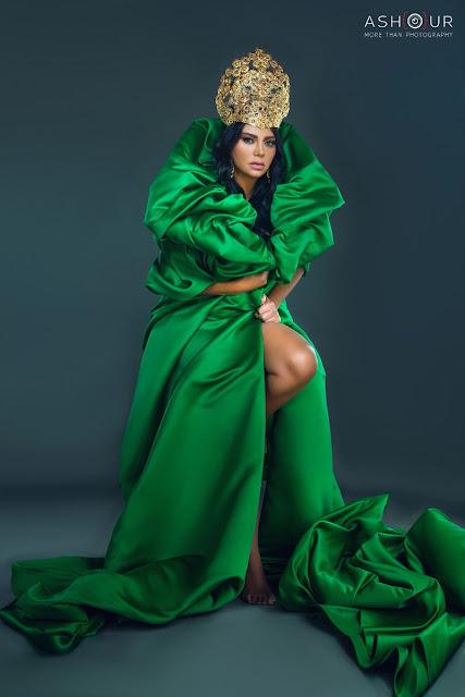 رانيا يوسف تثير الضجة بفستان أخضر مثير – بالصور