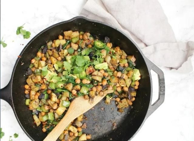 Vegan Chickpea Potato Breakfast Hash #breakfast #vegetarian