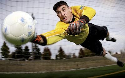 Sepak Bola | Pengertian, Asal-Usul, dan Peraturan Permainan