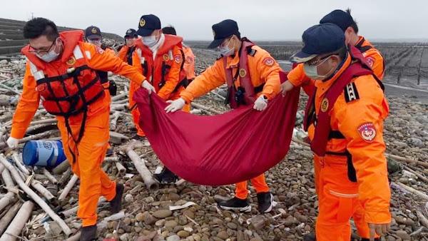 保育鯨豚「江豚」忘歸途 海巡當送行者