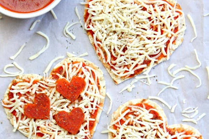 VALENTINE'S DAY HEART PIZZAS