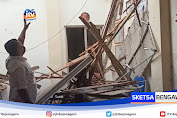 Diduga Lapuk, Atap Gedung KPU Bojonegoro Ambrol
