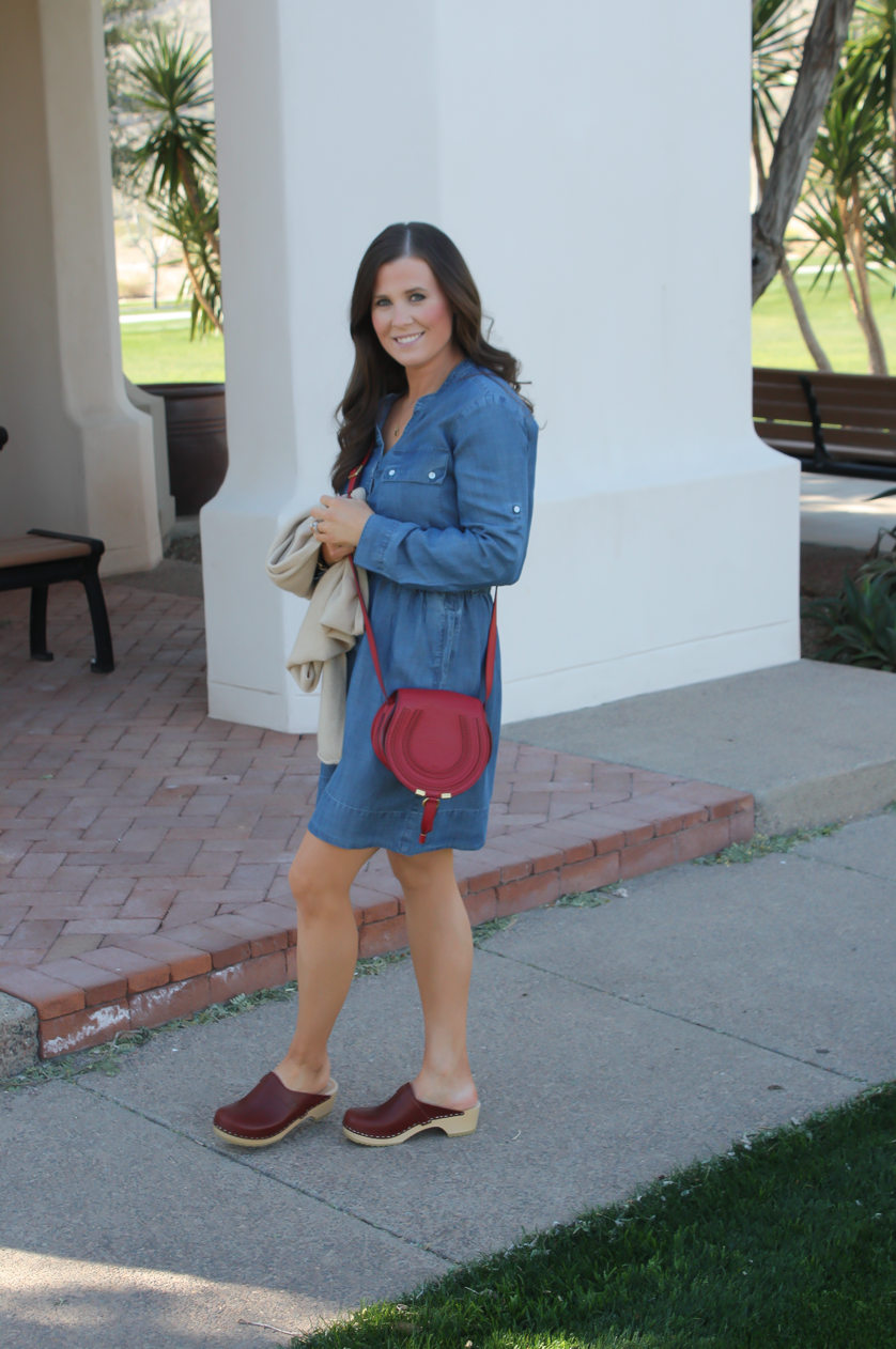 Imyne Fashion Outfit Inspiration Wearing Clogs