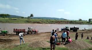 पुलिस ने नदियों का सीना छलनी कर अवैध रेत परिवहन करते 10 ट्रैक्टर-ट्रॉली पकड़े, खनिज विभाग को भेजी रिपोर्ट