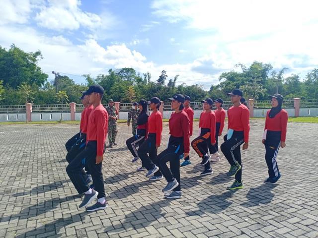 Latihan Paskibraka Dikabupaten Simalungun Dilatih Oleh Personel Jajaran Kodim 0207/Simalungun