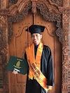 Jadi Wisudawan Terbaik FEBI, Dharma: Organisasi Bukan Penghalang Kuliah