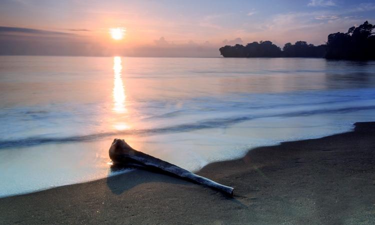 Pantai Batu Karas, Wisata Bahari Andalan Pangandaran