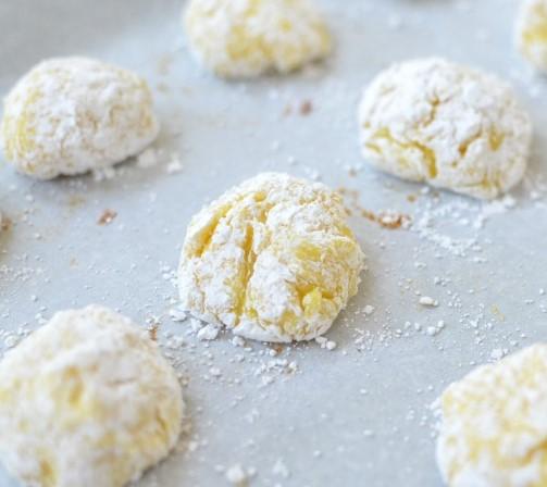 Easy Lemon Crackle Cookies