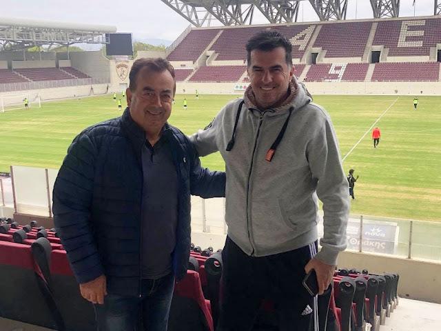 Με τον σκάουτερ της ομάδας κ. Νίκο Βέκιο βρέθηκε στο AEL FC ARENA ο μεγαλομέτοχος της ΠΑΕ Απόλλων Λάρισας κ. Παναγιώτης Μαντζανάς κατά την διάρκεια του σημερινού (19/10) φιλικού αγώνα με την ΑΕ Καραϊσκάκη (2-0 νίκησαν οι Θεσσαλοί).