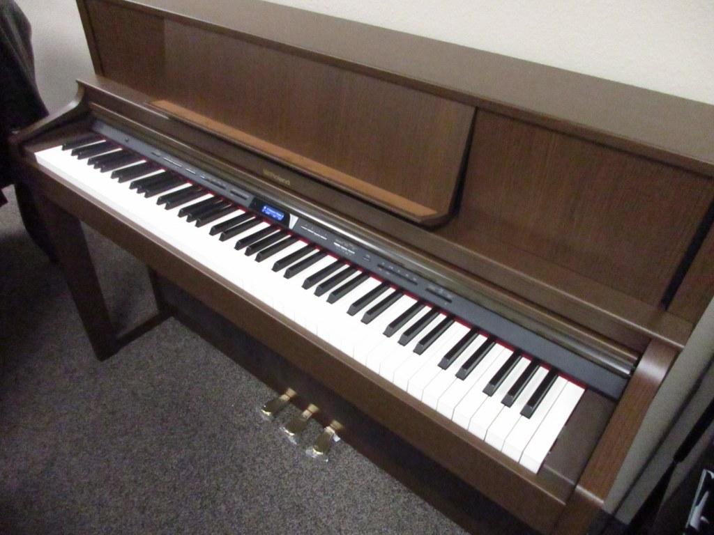 az piano reviews review comparison of 2017 digital pianos. Black Bedroom Furniture Sets. Home Design Ideas