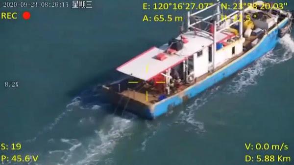海巡無人機升空巡弋 蒐證漁船違規拖網