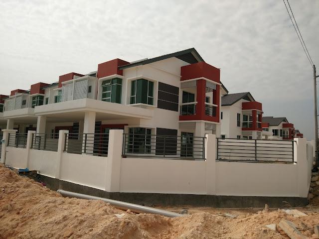 rumah Corner Lot 2 tingkat di Seri Iskandar Perak
