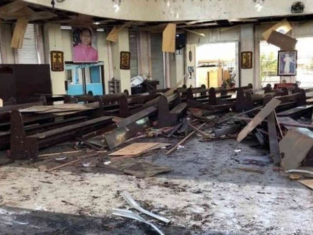 Twin Bombs Hit Philippines Cathedral, Dozens Dead, Hurt