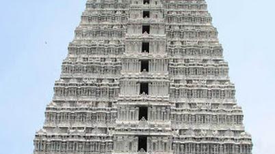 अन्नामलायीयार मंदिर गोपुरं (तिरुवन्नमलायी, तामिळनाडू)