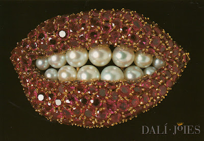 Postal, Dalí, boca, rubí, museo, Figueras