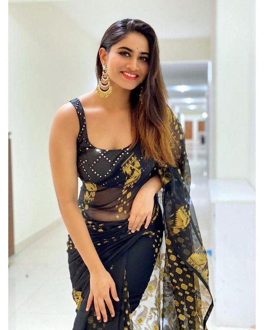 Shivani Narayanan  in Black Saree