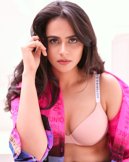 Prachi Tehlan  IMAGES, GIF, ANIMATED GIF, WALLPAPER, STICKER FOR WHATSAPP & FACEBOOK