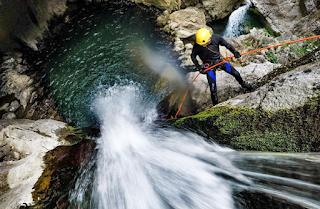 Canyoning di Gitgit