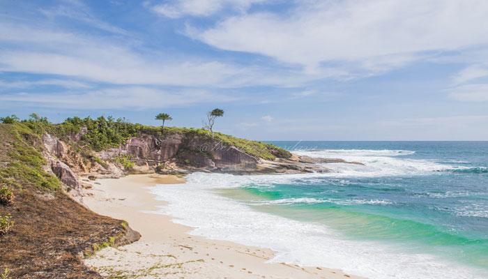 Pantai Pasir Saka