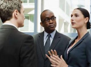 Teknik Komunikasi dengan Pelanggan, Pimpinan, dan Kolega