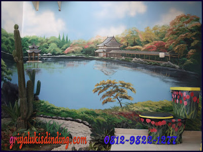 mural lukis dinding pemandangan danau ruang toilet