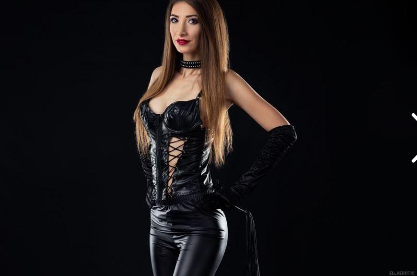 Ellaerotic Model GlamourCams
