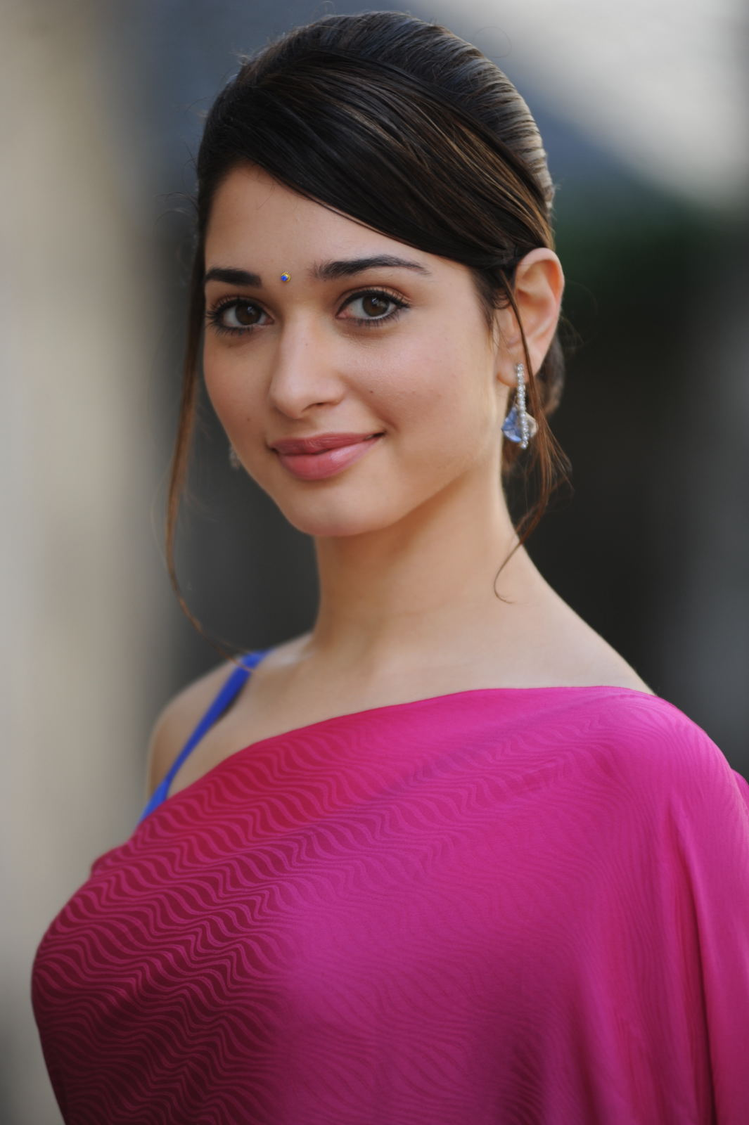Tamannaah Hot Photos In Pink Saree