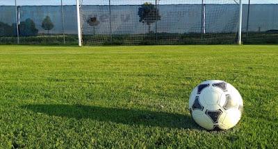 ukuran lapangan sepak bola fifa