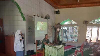 Danramil 06/Bayang Memberikan Materi Cinta Tanah Air Kepada Siswa Pesantren Ramadhan