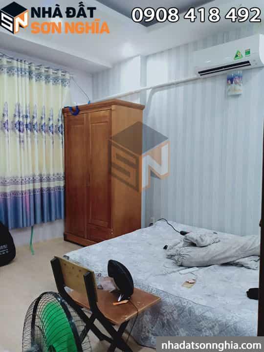 Bán nhà tặng nội thất tủ gỗ