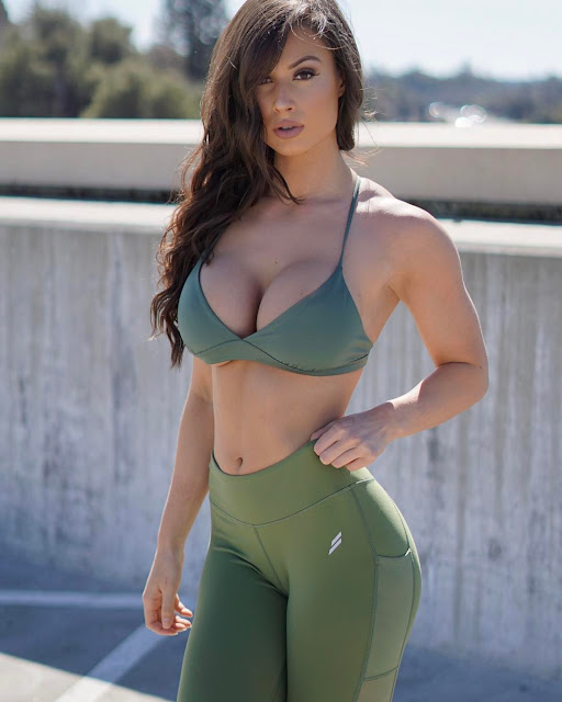 Bianca Kmiec Model