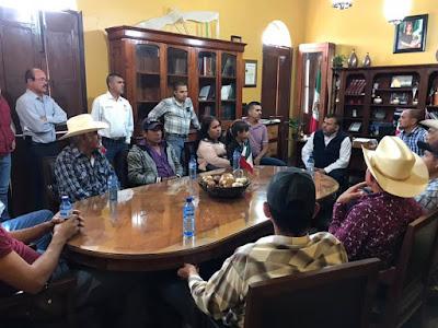 Sostiene Alcalde reunión con comisarios municipales de Alamos