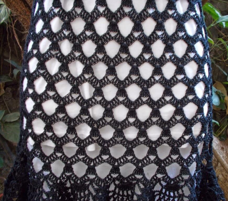 free crochet pattern, free crochet skirt pattern, free crochet ladies skirt pattern, free crochet pineapple skirt pattern, free crochet lacy skirt pattern, free crochet beach wear skirt pattern, Red heart knitting cotton,